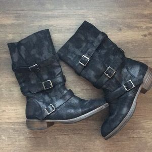 Crown Vintage mid-calf black boots